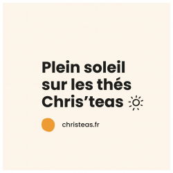 ☀️coup de projecteur sur les thés Chris'teas... cet été, on opte pour les eaux de fruits & de fleurs. vous avez déjà goûté ? retrouvez notre sélection en boutique et sur christeas.fr #christeas #christeasbordeaux #maisondethe #depuis2001 #entreprisefamiliale #boutiquedethe #lartduthe #bychristel #assemblagedethe #thesignature #lethealabordelaise #the #tea #alheureduthe #infusezbuvezvivez #placedesgrandshommes #bordeauxmaville #boutiquechristeas #galeriedesgrandshommes #madeinbordeaux #maisondethefamiliale #summertime