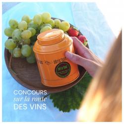 🍇jeu concours SUR LA ROUTE DES VINS ! pour célébrer les vendanges et l'effervescence dans le vignoble bordelais, nous sommes ravis de vous offrir un assortiment de 6 boîtes découvertes (25 gr de thé en vrac/boîte). pour participer :  🔸suivre le compte @chris_teas 🔸laisser un commentaire en identifiant un/une ami.e avec qui vous aimeriez déguster ces thés  tirage au sort le 30/09 🤞🏻 #maisondethe #depuis2001 #entreprisefamiliale #boutiquedethe #lartduthe #bychristel #assemblagedethe #thesignature #lethealabordelaise #the #tea #alheureduthe #infusezbuvezvivez #placedesgrandshommes #bordeauxmaville #boutiquechristeas #galeriedesgrandshommes #madeinbordeaux #maisondethefamiliale #routeduvins #letempsdesvendanges #vinsdebordeaux #vignoblebordelais #jeuconcours